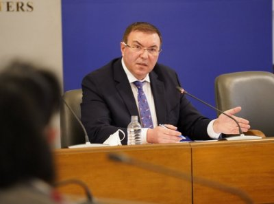 Health Minister at news briefing on Covid-19: Talks on providing additional vaccines continue