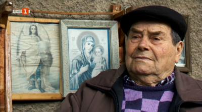85-годишният дядо Стоян е най-старият духач с уста на стъкло