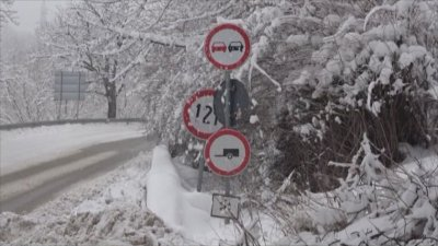 Complicated road traffic due to heavy snow fall in the Rhodope mountains