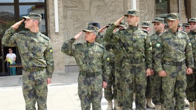 Трябва ли да се върне задължителната военна служба?