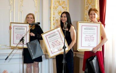 """Екипът за жестов превод на БНТ със специална награда на """"Мъж на годината"""""""