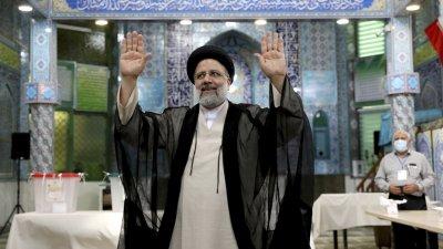 Ултраконсерватор спечели президентските избори в Иран. Какво следва в отношенията със Запада?