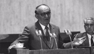 Борбата за власт и заговорите срещу Тодор Живков