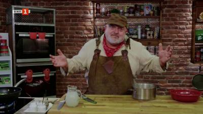 Мусака с агнешко и патладжани и пържени кюфтета в сос паприкаш