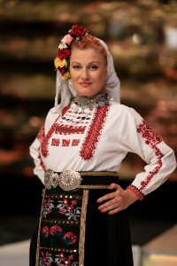 снимка 3 Народната певица Гергана Димитрова