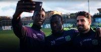 снимка 19 Възмутени: Футболът се справя с дискриминацията